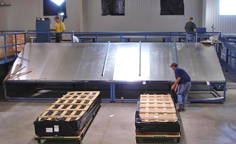 wood veneer factory - Sorts and singles table from Veneer Services