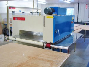 Read more about the article Why We Don't Use Glue Pots on Our Veneer Splicers