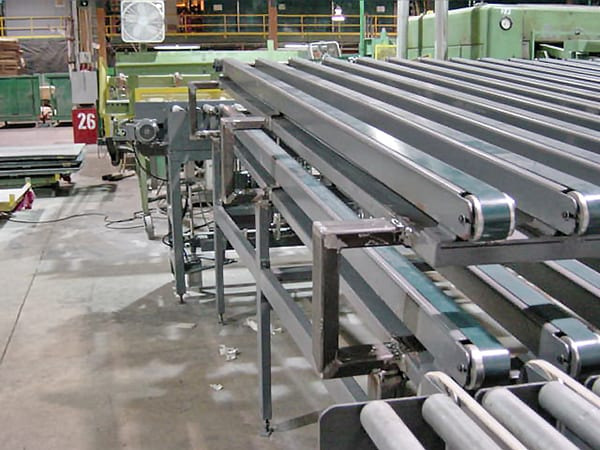 Double deck splicer feeding conveyor - woodworking manufacturing