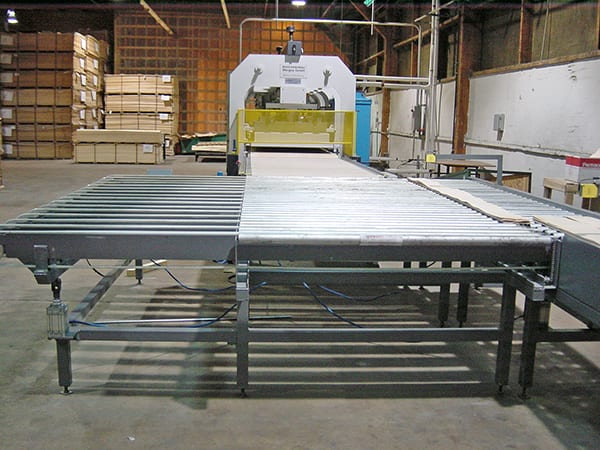 Hot-cold veneer press with automated outfeed