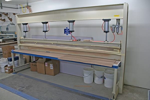 glue clamp from veneer services 3